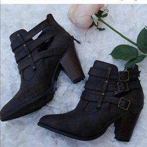 🎃Forever Brown Booties Size 8.5